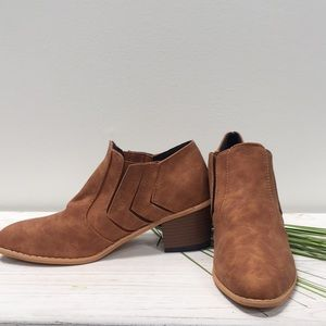 Pleated tan Ankle Booty size 37